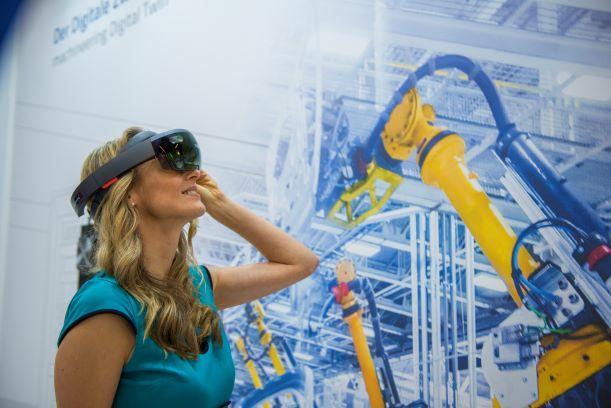 virtual reality ... Robotersimulation, augmented reality ... VR-Brillen, Robotersimulation via iPysics, der 3D Simulationssoftware von machineering